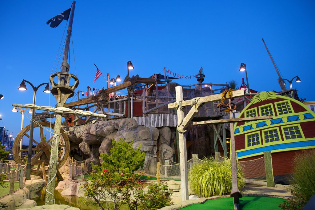 Castaway Cove Mini Golf